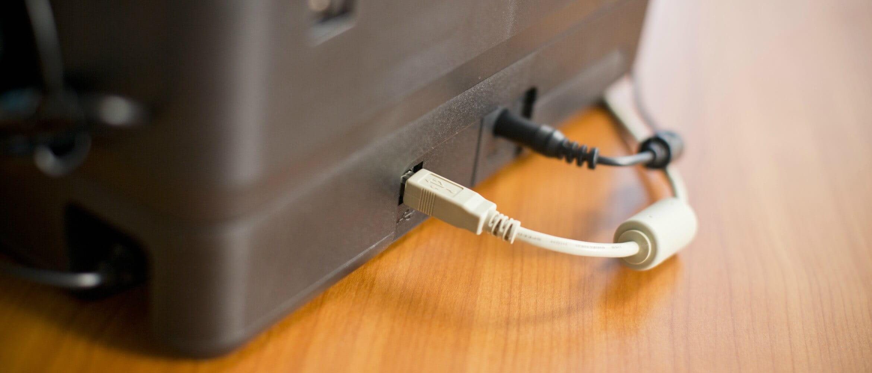 Conexiones de red y eléctrica de impresora