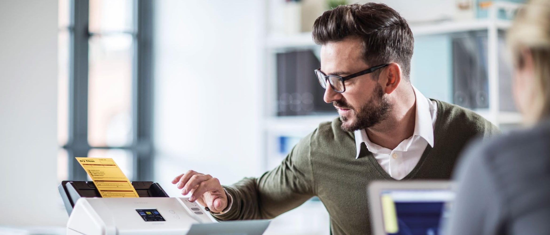 Trabajar con los documentos de gestión empresarial con los escáneres Brother