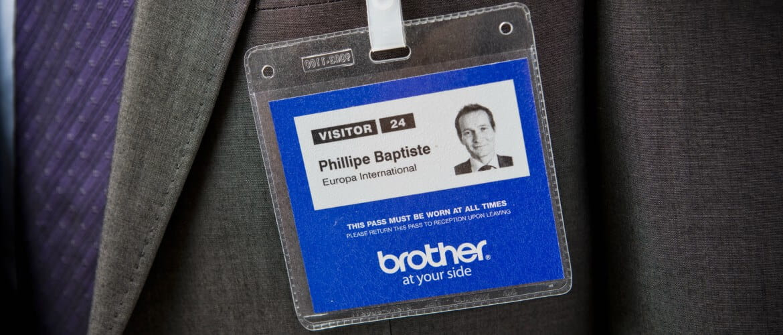 Tarjeta identificativa azul de Brother