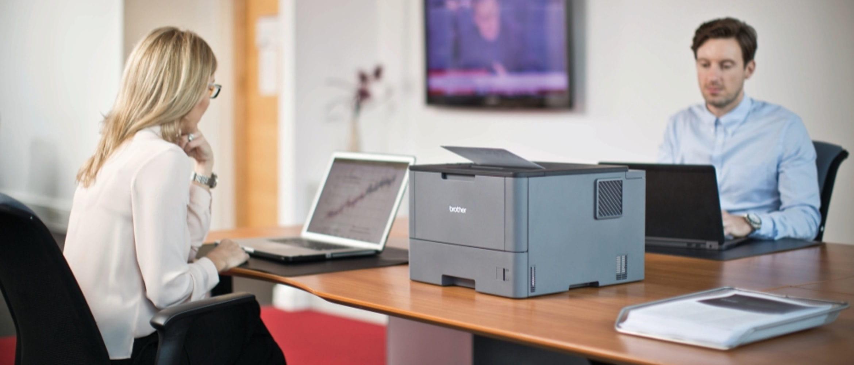 Oficina con impresora láser HL-L5000D Brother