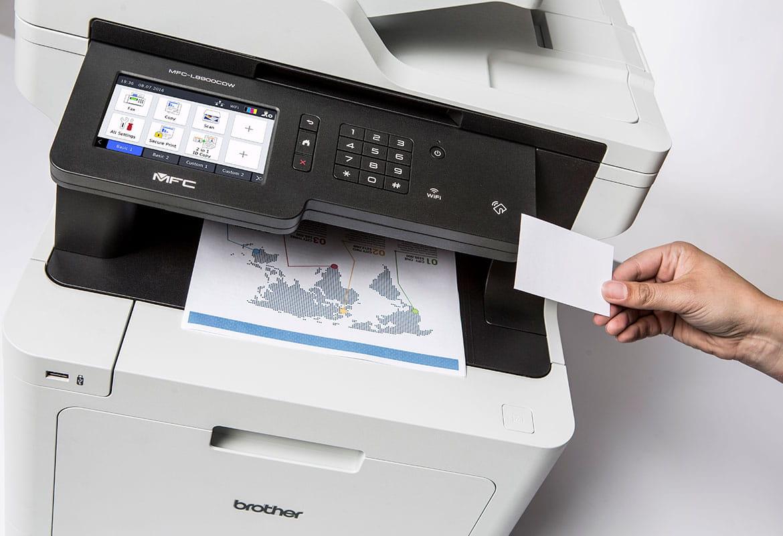 Impresora multifunción Brother para la impresión de información de pacientes médicos