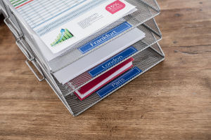Etiquetas azules en documentos